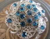New Vintage style brooch aqua/ turquoise rhinestones filigree floral design, silver finish metal (brooch 5)