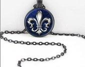 Fleur De Lis Necklace, Fleur De Lis Pendant, Fleur De Lis Musketeer Bohemian Gypsy Jewelry RW375
