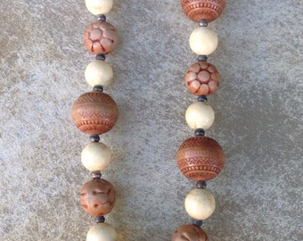 Vintage Carved Wood Beaded Necklace