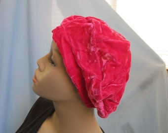 SALE - Bright Pink Velvety Beret (4392)