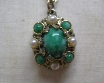 Green Pearl Cab Gold Necklace Vintage Pendant