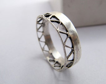 Unisex Silver Ring, Silver Wedding Band, Sterling Silver Filigree Ring