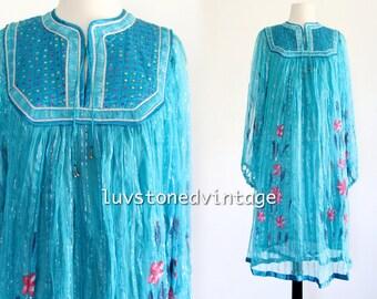 70s Sharma Boho Hippie Gypsy India Sequin Rayon Tent Festival Metallic Floral Billowy Sleeve Dress . SML . D167 . 940.1.19.15