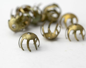 Vintage Brass Curved Flower Bead Caps 12mm (12)