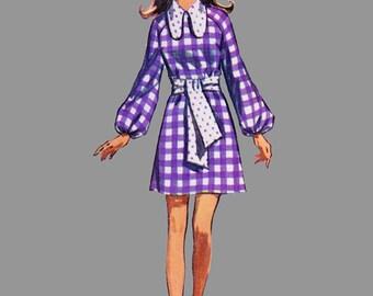 1970 Dress pattern Simplicity 8920 Long raglan sleeves A line style Contrast collar Jewel neckline Mini dress Bust 34 Size 12
