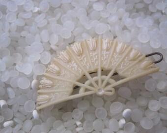 vintage barrette soft pale pink fan