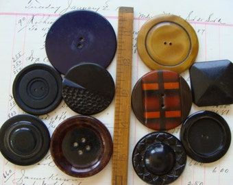 Antique Very Large Vintage Buttons Lot N0 38