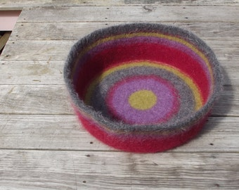 simple cat bed, dog bed custom order felted wool, large cat bed