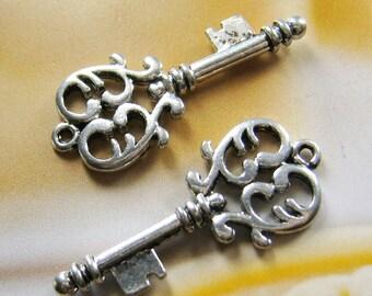 4 pcs - 32mm - antique silver key charms/pendant(CM015)