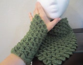 Beautiful Sage Green Crocodile Stitch Triangle Shawl/Scarf With Matching Fingerless  Mittens