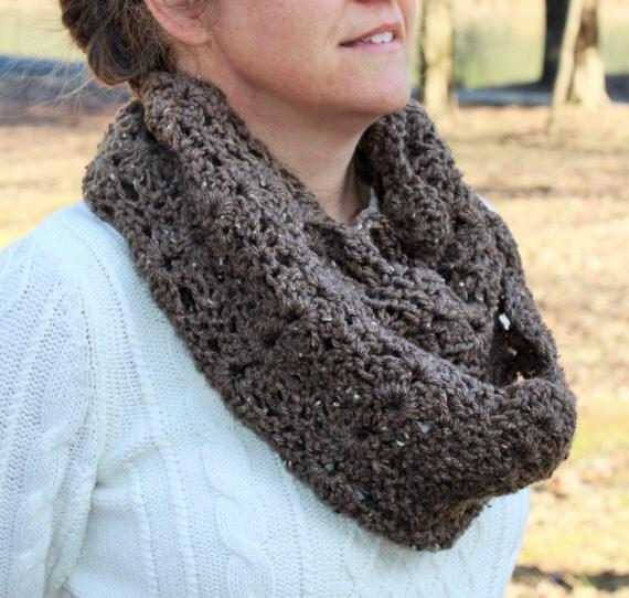 Crochet Infinity Scarf Pattern Shell : Crochet PATTERN - Womens Crochet Shell Infinity Scarf ...