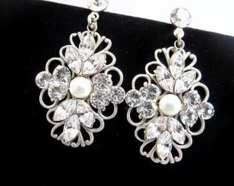 Vintage wedding earrings, Crystal Bridal earrings, Wedding jewelry, Rhinestone earrings, Antique silver earrings, Pearl earrings, Swarovski