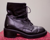 WINTER SALE -- black leather chunky 90s ankle boots - women's 8.5 9
