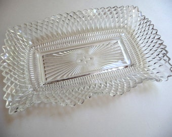 SALE, candy dish, vintage clear glass dish, wavy edge dish, glass serving dish, vintage home decor,vintage kitchen,dining table,cottage chic