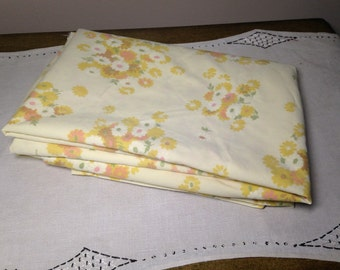 Vintage Twin Sheet Flat YELLOW FLORAL 70s