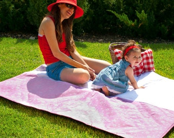 Waterproof  Picnic Blanket in pink