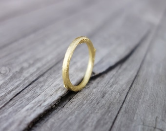 slim gold twig ring.