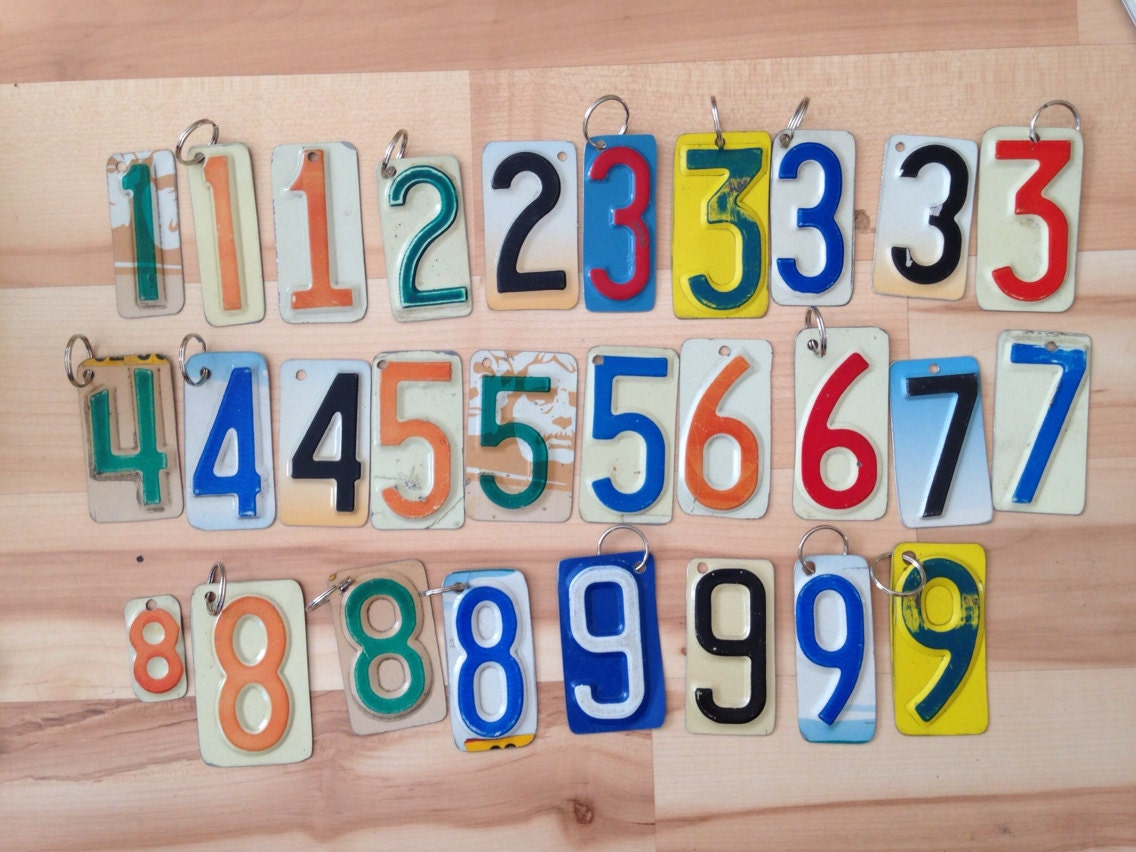 UPcycled license plate keychains. letters and by plumaccessories