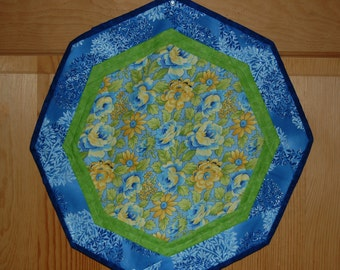 Floral Octagon Table Topper