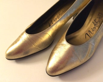 Vintage Shoes Women's 80's Heels, Gold, Pumps by Life Stride (Size 6)