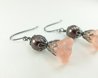 Peach Flower Earrings Pearl Earrings Soft Peach Earrings Dangle Beaded Dangle Earrings