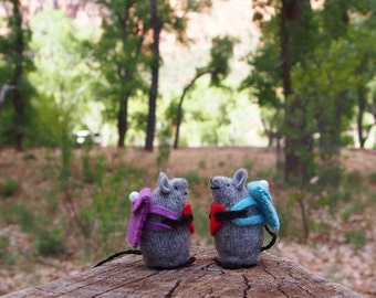 Valentine Mouse, Mouse with backpack, tiny mouse, hiker gift, wool mouse, waldorf mouse, woodlandmouse, all natural mouse, mouse toy