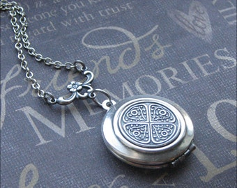 Celtic Locket Necklace Celtic Knot Jewelry Silver Locket Bridesmaid Wedding Gift Jewelry Irish Locket Vintage Style Photo Picture Locket