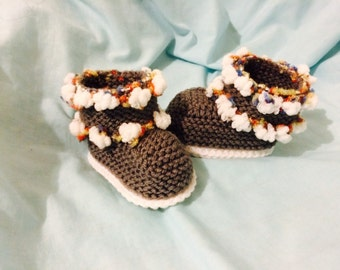 Knitted UGG booties