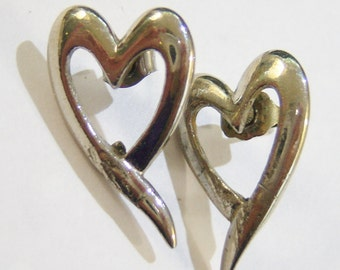 silver tone exaggerated heart shaped pierced earrings 814A