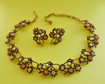 Lovely demi parure 55s CORO pat.pend.- dazzling citrine crystals and topaz on gold-perfect for collection-necklace & earrings set-art.798/3-