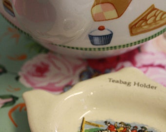 Sweet vintage Widecombe fair teapot shaped tea bag holder