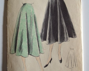 Vogue 6576 Two Piece Bias Circular skirt Size 28 Waist UNCUT