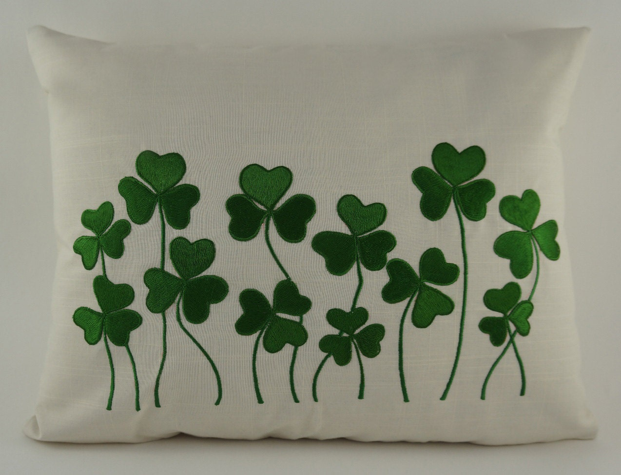 Embroidery designs pillow covers makaroka
