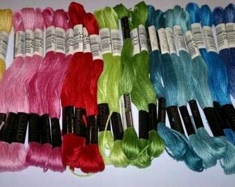 United Stitches Cosmo Full Thread Pack
