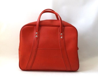 vintage 1950's large bag carry on luggage red weekender womens ladies vinyl fashion travel gear accessories accessory mid century purse tote