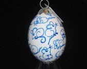 Eggshell Ornament with Mice in Blue & White