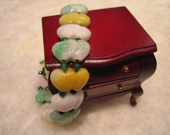 HEART ME .. Natural Jade Bracelet .. Handknotting Jewelry
