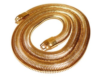 Fabulous  Serpentine Chain Necklace Gold Tone