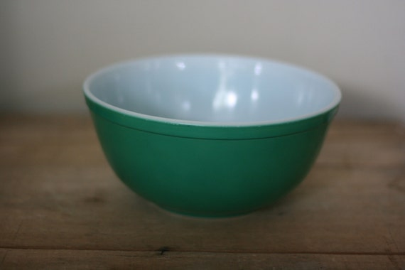 Vintage Pyrex Green Glass 2 5 Quart Mixing Bowl