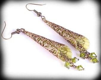 Green Flower Earrings Vintage Style Trumpet Flower Earrings