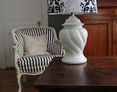 Vintage White Swirl Lamp