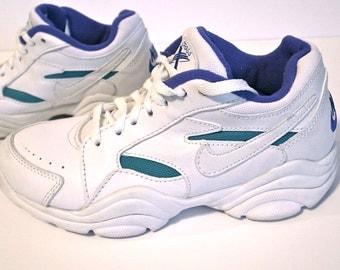 20 Dollars off SALE Nike Cross Training Vintage 80's 90's White Sneakers
