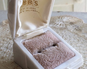 Ring Box Wedding Engagement Vintage White Ringbox Celluloid Plastic Jewelry Presentation Velvet