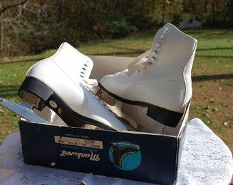 Vintage White Markwort Figure Skates, Original Box, Fabulous Holiday Decor