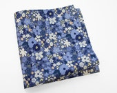 Men's Floral Pocket Square in shades of blue