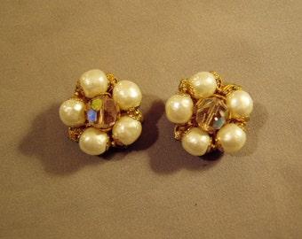 Vintage 1950s Robert Signed Clip Earrings Faux Pearls Aurora Borealis Bead Filigree Base 7701