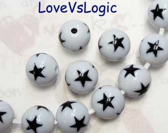 10 Lucite Beads with Stars. 2 Tones. 15mm. Off White with Black Stars