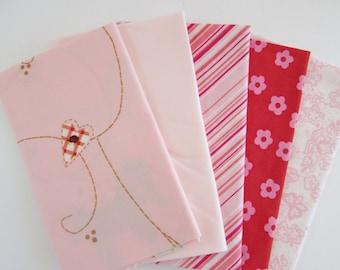 Vintage Sheet Fabric, Reclaimed Bed Linen Fabrics, Fat Quarter Bundle,  Pretty in Pink (5 Pack)