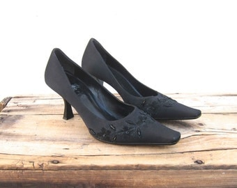 Vintage Moschino Black Satin Flower and Beaded Pointed Toe Pumps Size 7.5