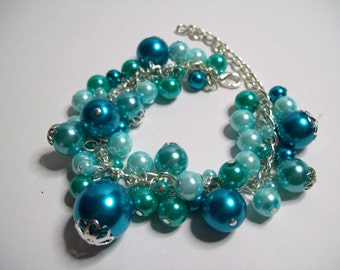 Turquoise glass pearl charm bracelet